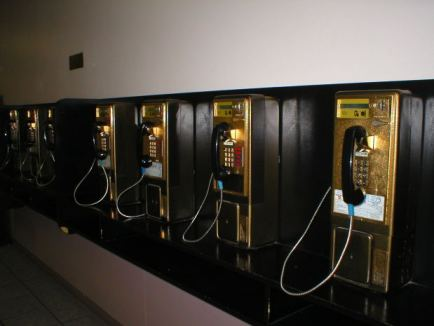 telephone-payphone-bank
