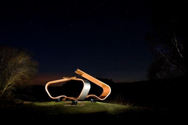 Janus Chairs Ein Projekt An Der Grenze Zwischen Kunst Und Stuhl Design    Janus Chairs