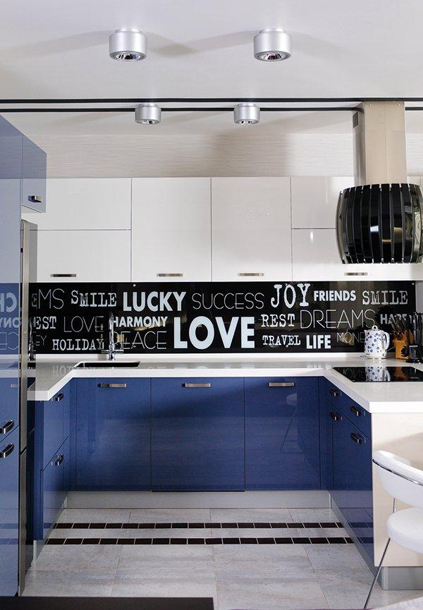 Interessante Ideen für Deko und Wandgestaltung in der Küche - kuchenwandgestaltung ideen fliesen glas
