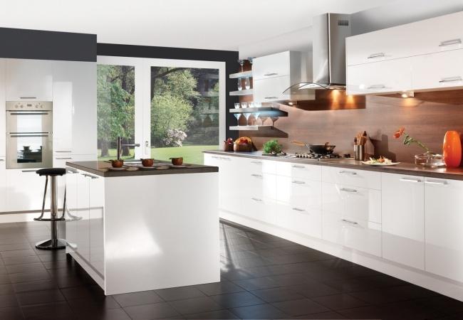 Moderne Hochglanz Küchen in Weiß - 25 Traumküchen mit Hochglanzfronten - moderne kuchen weiss holz