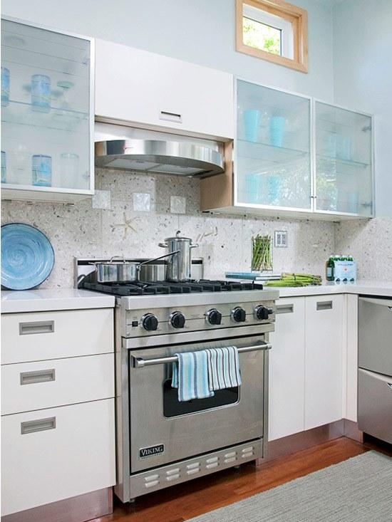 35 Ideen für Küchenrückwand Gestaltung-Fliesen,Glas,Stein - weisse kuche mit mosaikfliesen