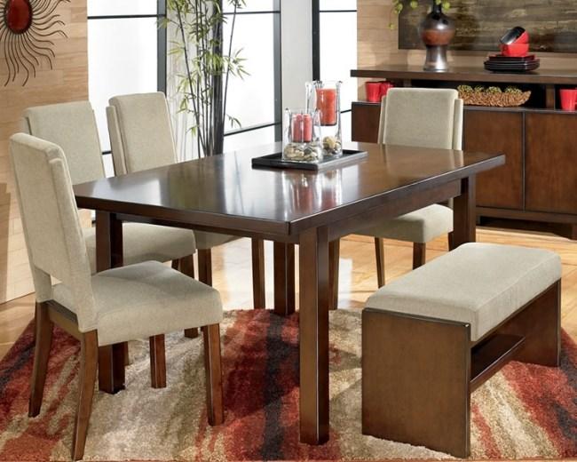 Esszimmer mit Bank einrichten und mehr Sitzplätze am Tisch schaffen - platz schaffen einem kleinen esszimmer