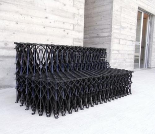 Schön ... Zollt Anerkennung Historischem Gebaude. Das XXXX Sofa Design Von Yuya  Ushida Aus Rezyklierten Teilchen Gemacht   Holz Stuhl Skulpturales Design