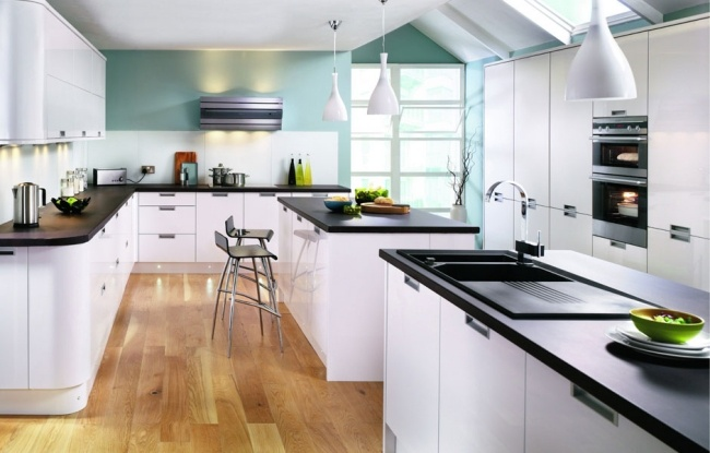 Established Up And Equip A Large Modern Kitchen For Many Cooks Design Har 1
