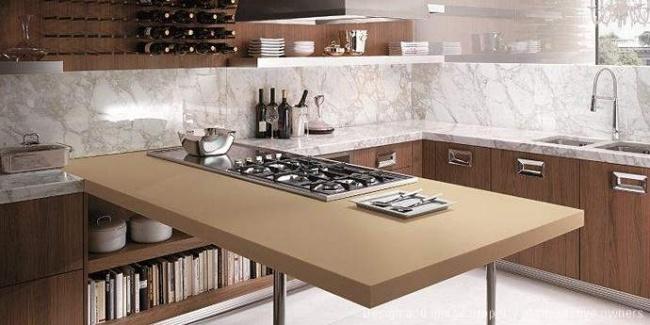 Moderne Küche Arbeitsplatte von DuPont dient als kabelloses Ladegerät - kuche arbeitsplatte kabelloses ladegerat