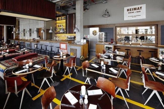 25hours Hotel in Hamburg - Hafen-Atmosphäre prägt das Interieur Design - esszimmer 25hours