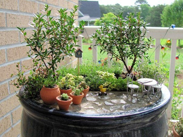 Einen Miniatur Garten Auf Dem Alten Beistelltisch Selber Anlegen   Mini  Garten In Der Kuche