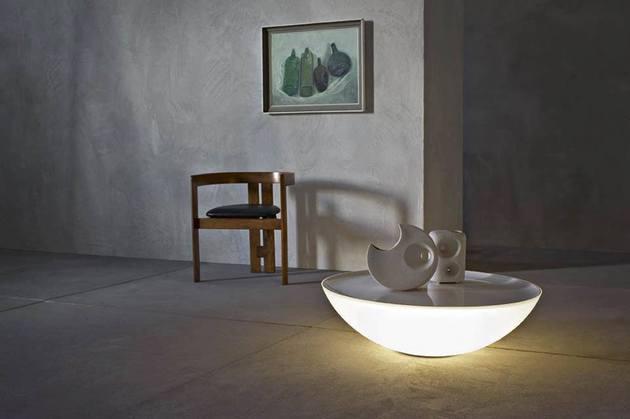 Der leuchtende Solar Tisch von Foscarini - Indoor und Outdoor Version - leuchtende solar tisch foscarini
