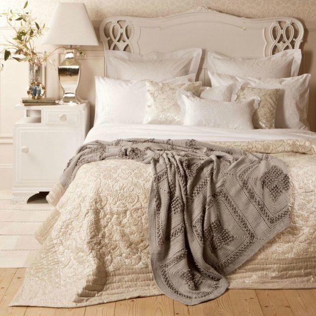 tapeten schlafzimmer romantisch schlafzimmer gestaltung shabby ... - Schlafzimmer Creme Gestalten