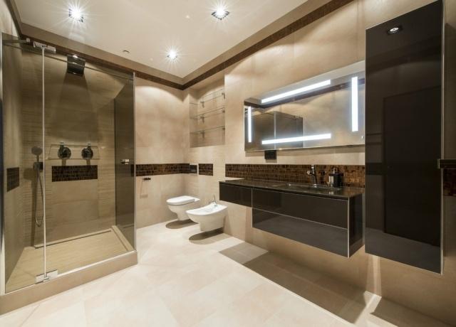 30 Wohnideen für Badezimmer - Bad ohne Fenster einrichten - badezimmer ohne fenster