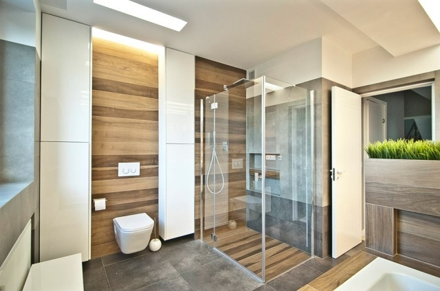 32 moderne Badideen u2013 Fliesen in Holzoptik verlegen - badezimmer fliesen holzoptik grun