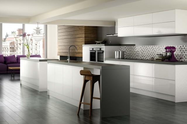 Farbgestaltung für weiße Küche - 32 Ideen für Wandfarbe - weise moderne kuche