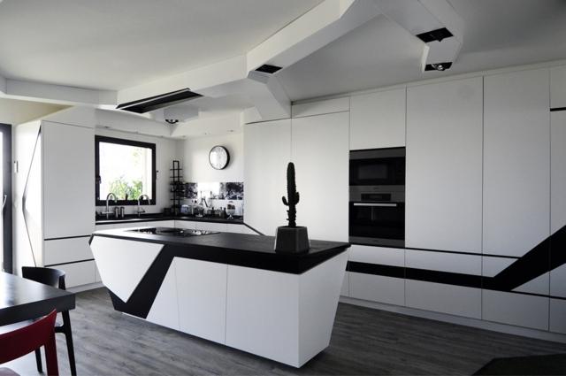 Schön 78 Bilder Für Küche   Moderne Küchenzeile \ Kücheninsel   Blattformige Designer  Kuche Leaf