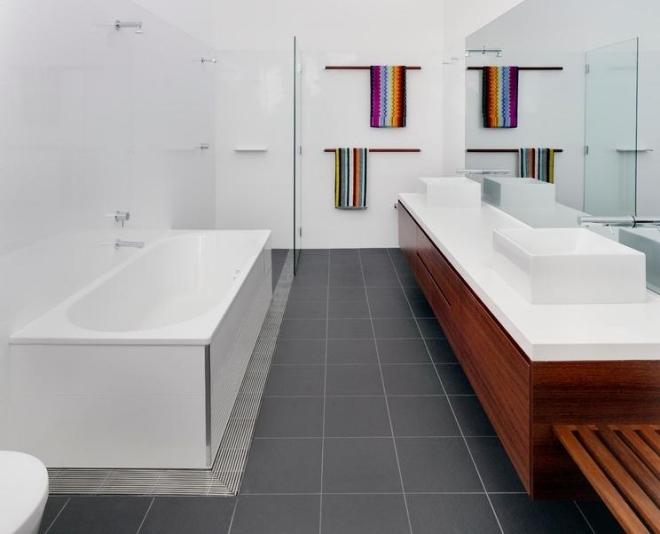 Ins Badezimmer ohne Fenster einen Blickfang bringen - badezimmer ohne fenster