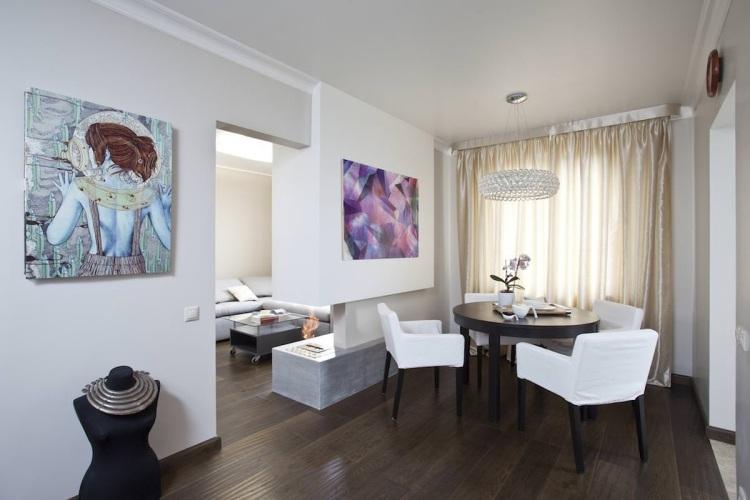 Ein runder Esstisch ist die perfekte Lösung bei Platzmangel - essecke wohnzimmer