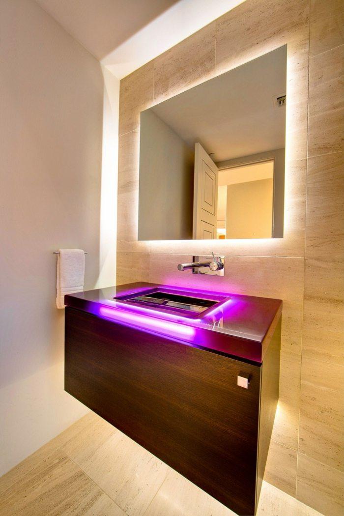 Badspiegel mit Beleuchtung sind praktische Accessoires - badezimmer konsole
