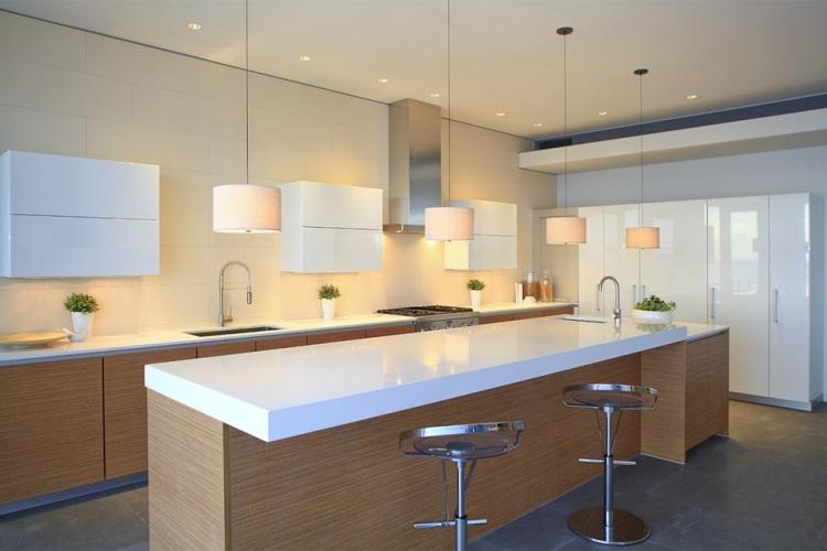 Beste arbeitsplatte küche  Weisse Kuchenarbeitsplatte Quarz Corian. beste arbeitsplatte küche ...