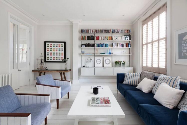 modernes wohnzimmer stilvoll eingerichtetes interieur kamin ... - Wohnzimmer Blau Weis