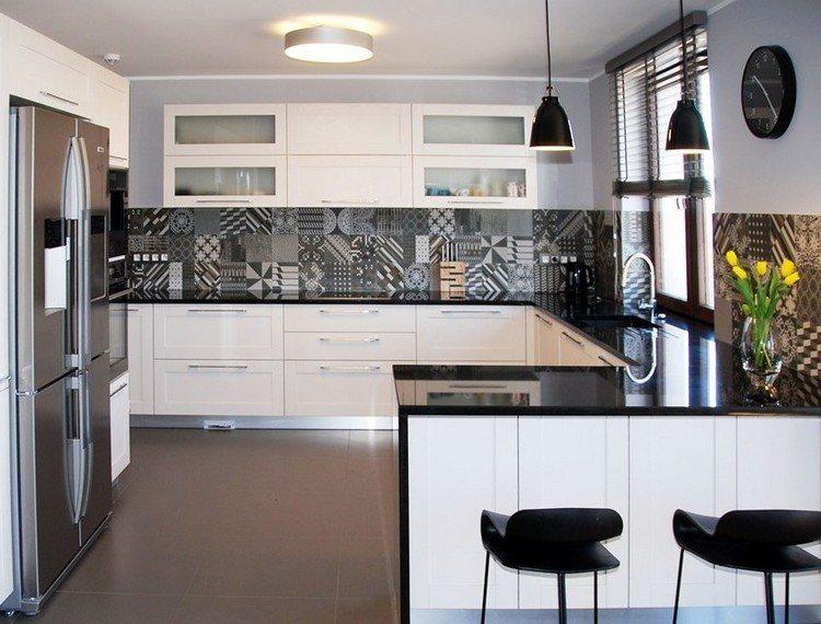 Weisse kuche mit mosaikfliesen ~ Raum Haus mit interessanten Ideen - weisse kuche mit mosaikfliesen