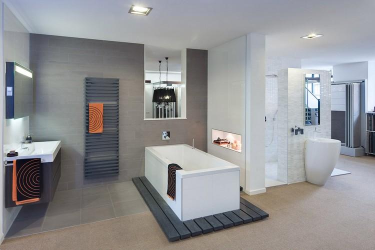 Badezimmer Deckenleuchte - 53 Beispiele und Planungstipps - badezimmer einbau