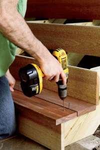 Gartentreppe aus Holz selber bauen