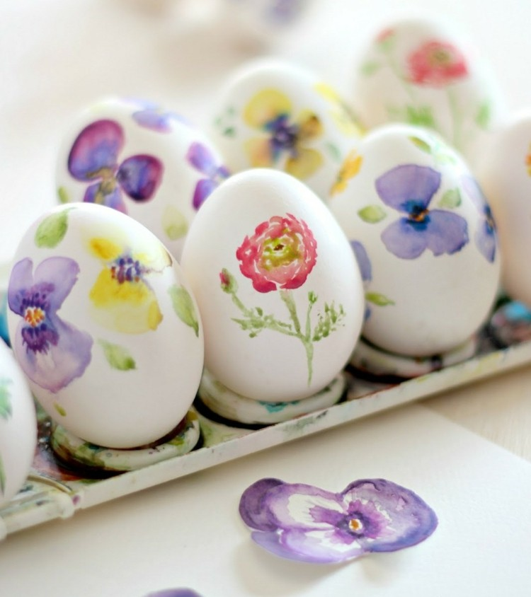 Schön Ostereier Mit Wasserfarben Bemalen   Hübsche DIY Ideen   Bemalte Mobel  Romantischen Motiven
