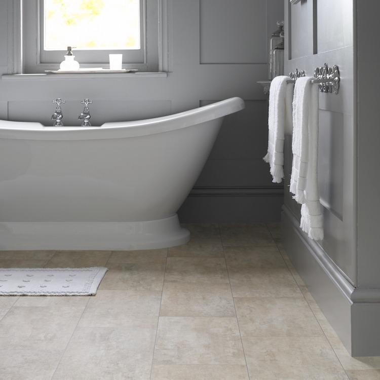 Bodenbelag fürs Bad - 12 Alternativen zu Fliesen - badezimmer bodenbelag
