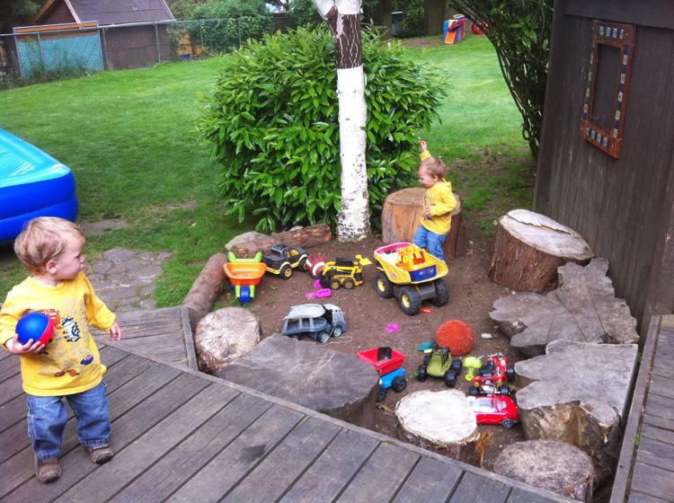 Spielecke im Garten für Kinder gestalten - 20 Ideen - garten gestalten bilder