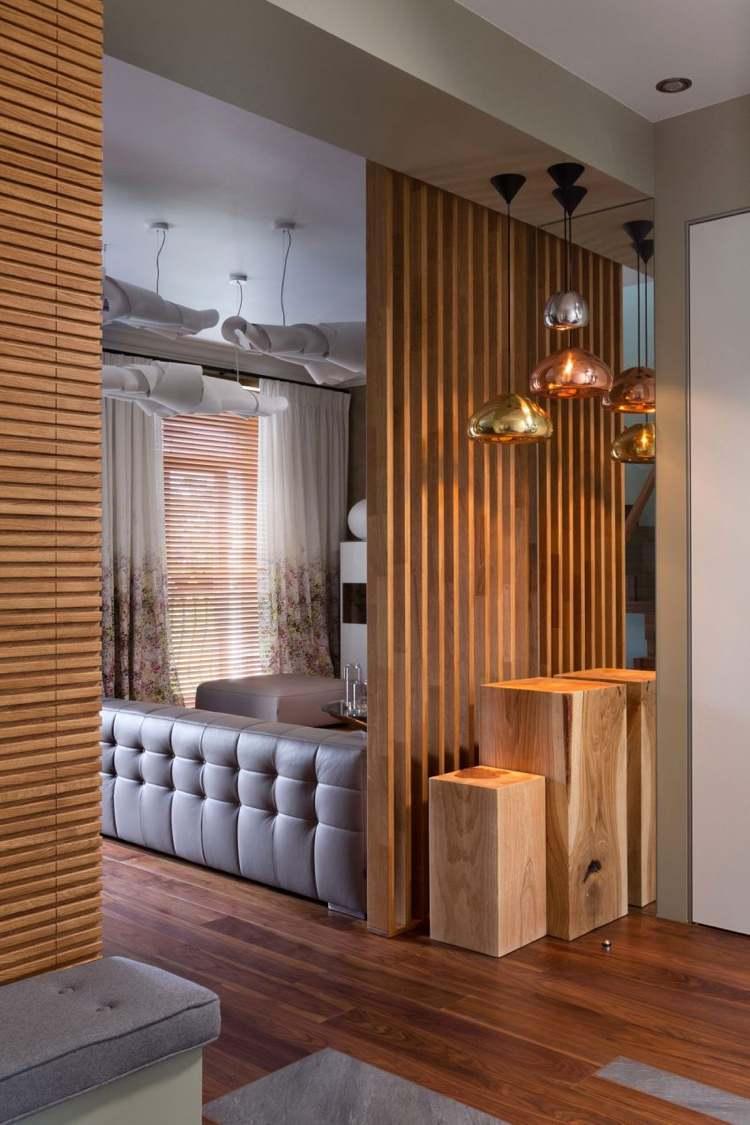 Feinsteinzeug Fliesen Und Holz In Moderner Gemütlichen Wohnung
