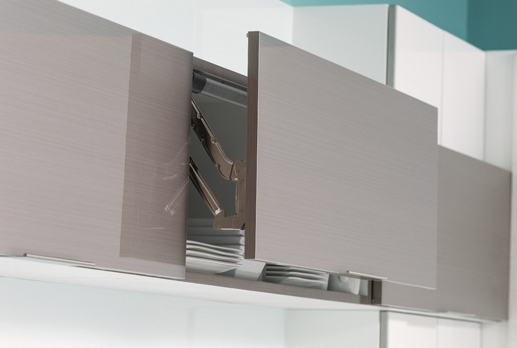 Küchenschrank Mit Rollo Vorhänge Für Küchenfenster Möbelideen   Tuersysteme  Kuechenoberschraenke Platzsparend