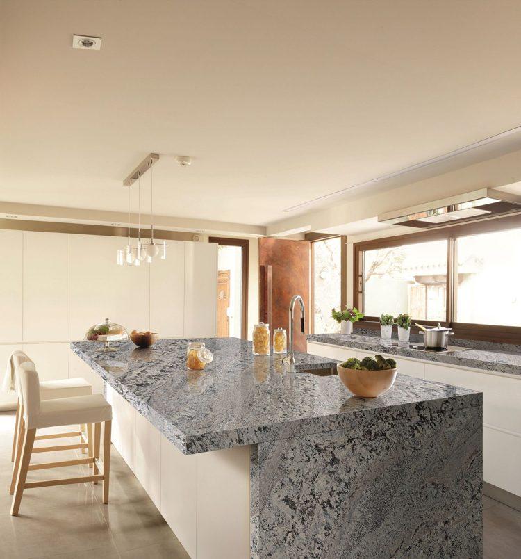 Arbeitsplatte Aus Granit In Der Modernen Küche   Vor  Und Nachteile    Minimalistische Weise Kuche