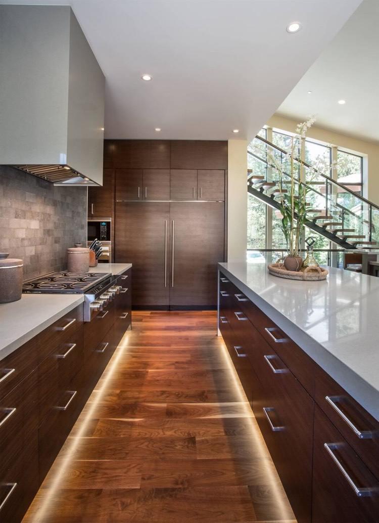 Stunning Küchen Led Leiste Contemporary   Unintendedfarms   Sockelblende  Kueche Unterschrank Farbe Optik