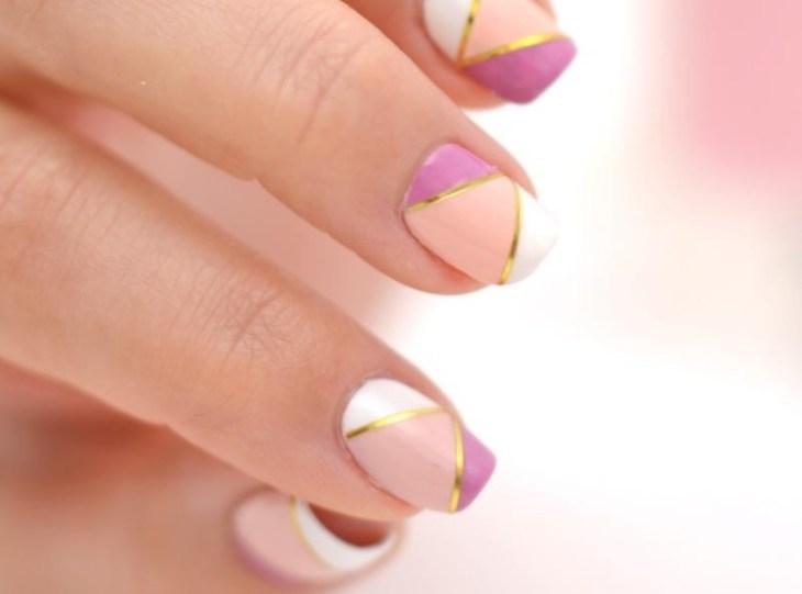 deco-ongles-bande-de-striping-tape-rose-blanc-vernis