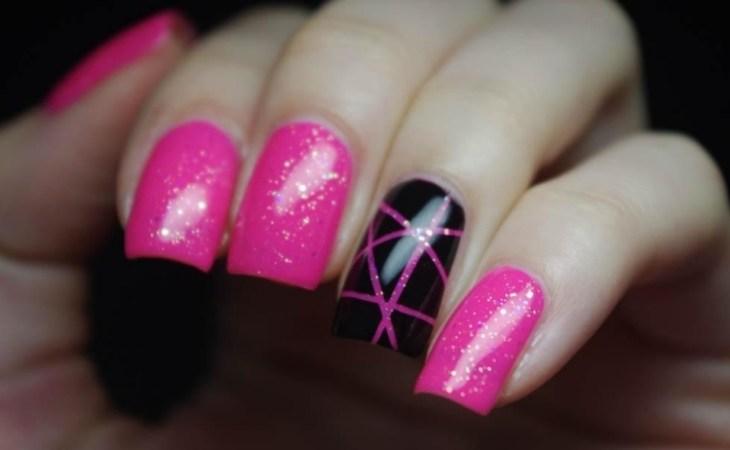 deco-ongles-bande-de-striping-tape-rose-fuschia-noire