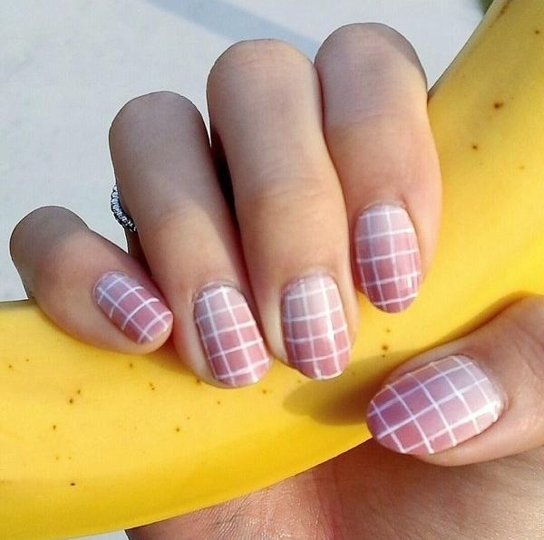vernis-shellac-idee-deco-ongles-formes-carrees-base-rose