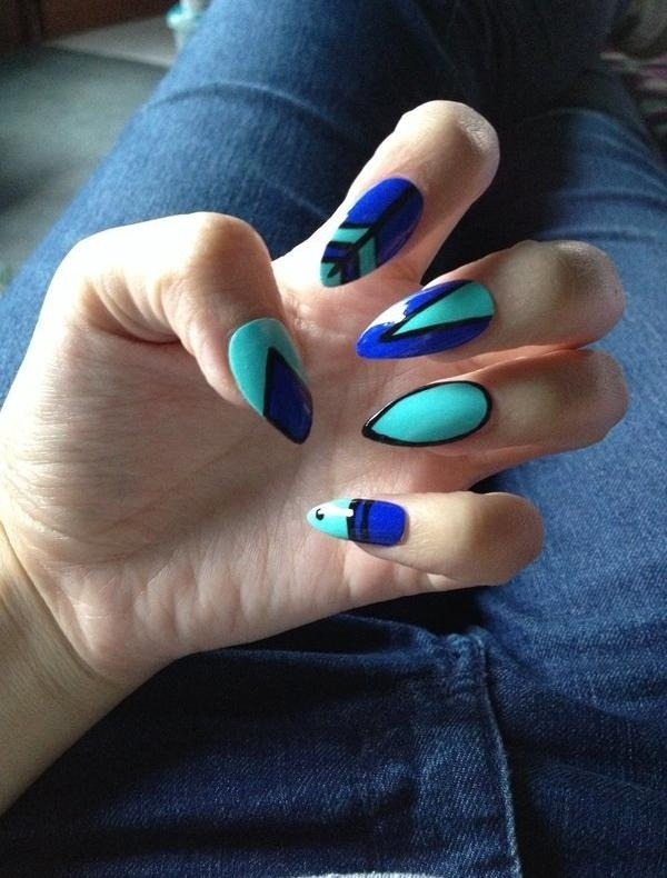 vernis-shellac-idee-deco-ongles-manucure-stiletto