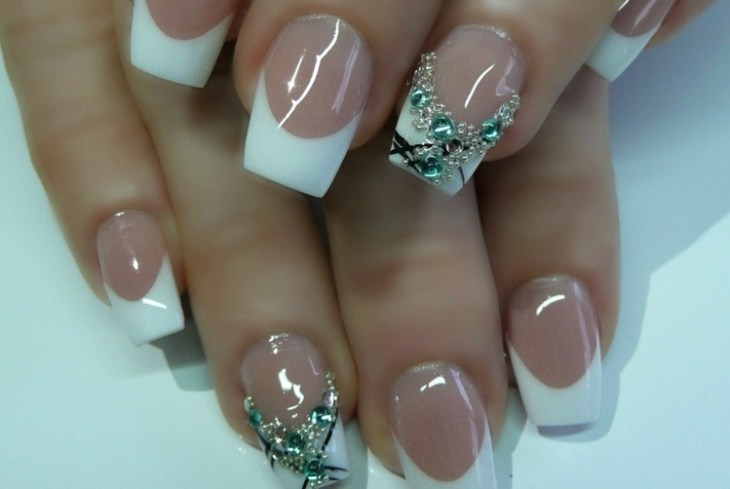 French manucure gel base-transparente-strass