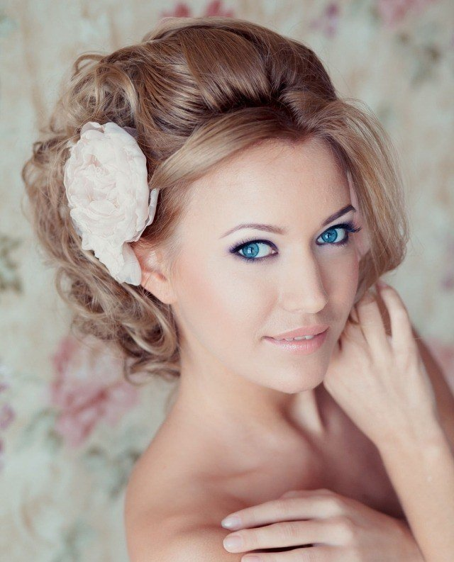 maquillage-mariée-naturel-yeux-bleus-eye-liner-mascara