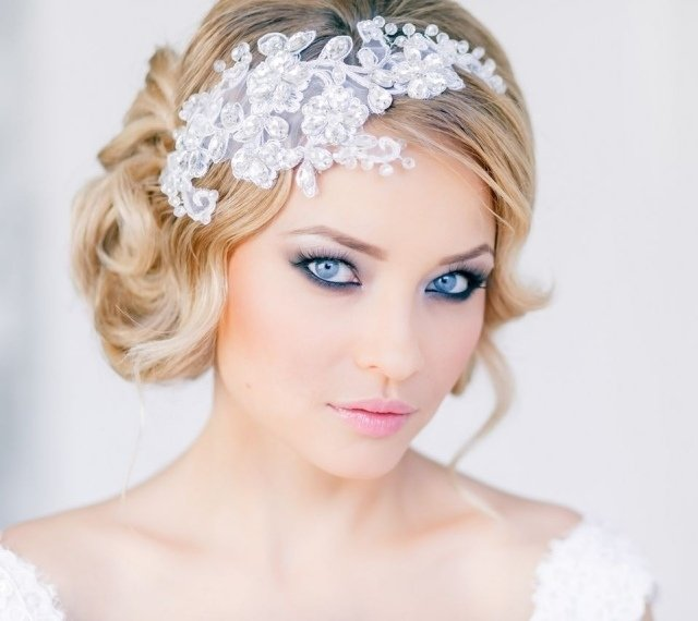 maquillage mariée yeux bleus smokey eye mascara