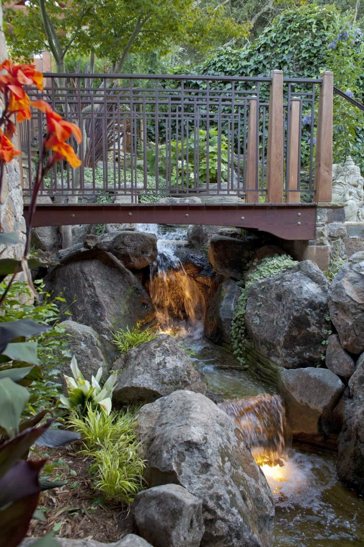 Comment Faire Un Bassin Exterieur Pont De Jardin Designs Inspirants En 55 Photos Fascinantes