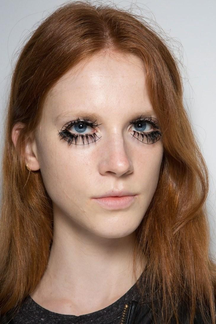 maquillage tendance 2016 avant-garde yeux faux cils paquets