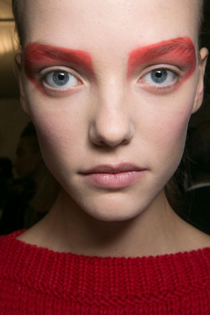 maquillage tendance 2016 yeux fard paupières rouge Max Mara