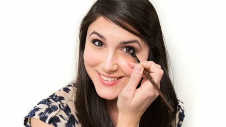 comment-se-maquiller-les-yeux-selon-forme-conseils-yeux-rapprochés