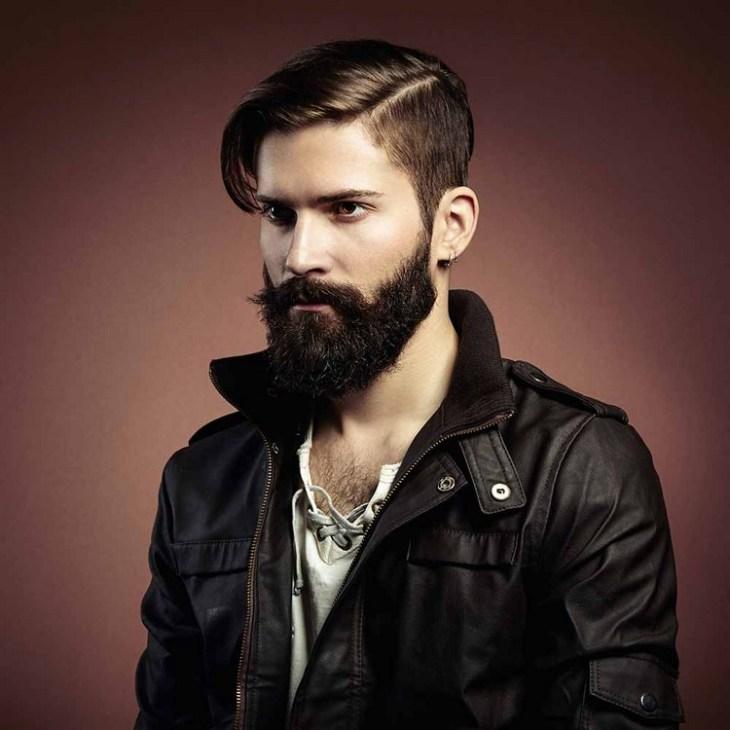 coiffure homme tendance -sidecut-frange-longue-barbe-longue