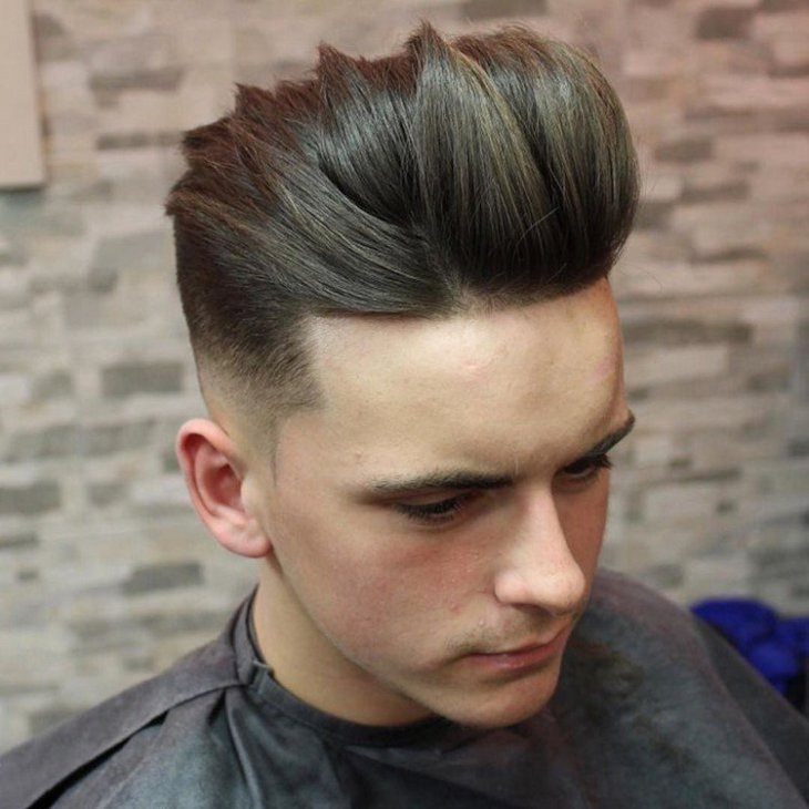 coiffure homme tendance -undercut-cheveux-lisses