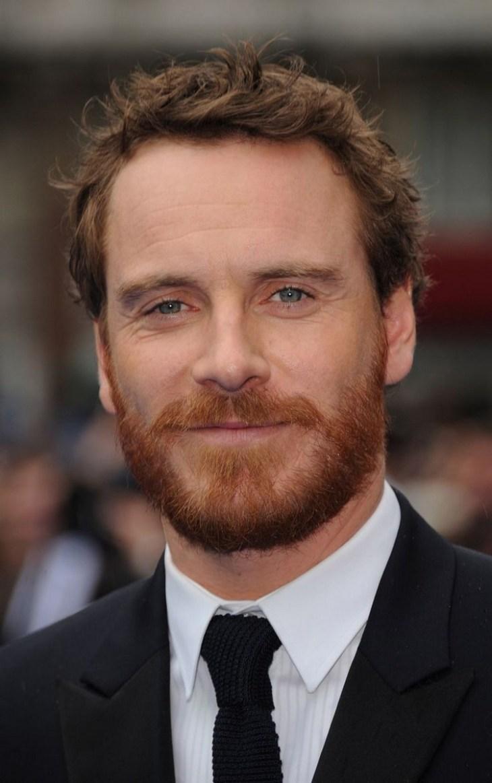 style de barbe tendance 2016- la barbe-moyenne-cheveux-ébouriffés