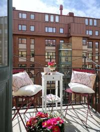 Colorful ideas for balcony decoration in the summer