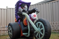 Halloween inflatables  garden decorations for a spooky ...