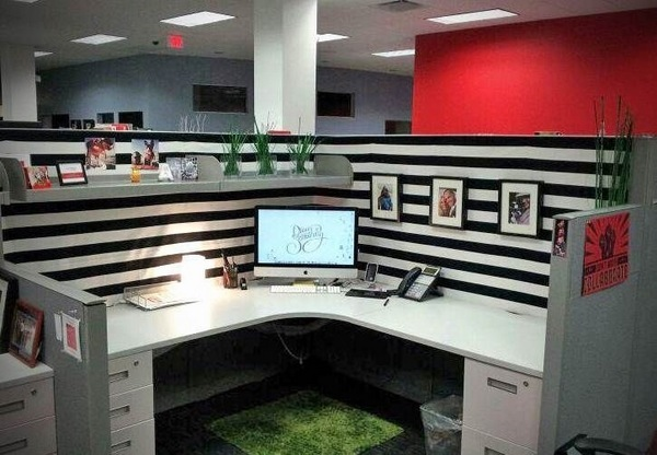 Spice Up Your Working Place With Awesome Cubicle Decor Ideas