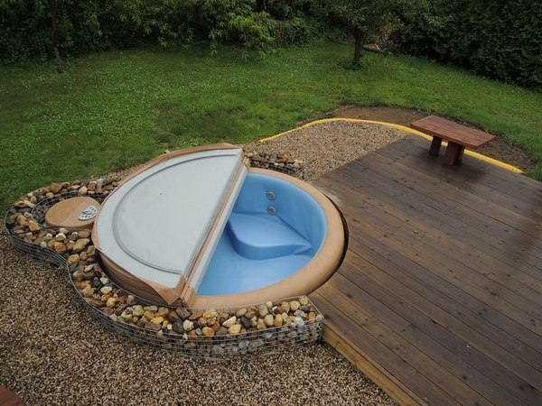 Outdoor Whirlpool Bausatz Softub – A Convenient Portable Spa For Your Outdoor Space